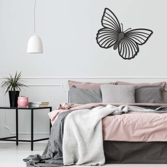 Le papillon - noir